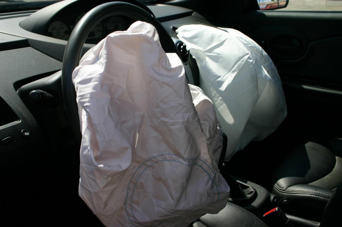 If you have been injured by a defective airbag in Alabama, call 256-547-4988 for a free consultation at the Gadsden office of the Shelnutt Law Firm